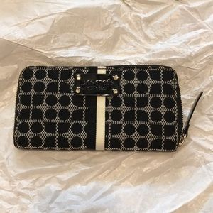 Kate Spade accordion zip wallet black & white